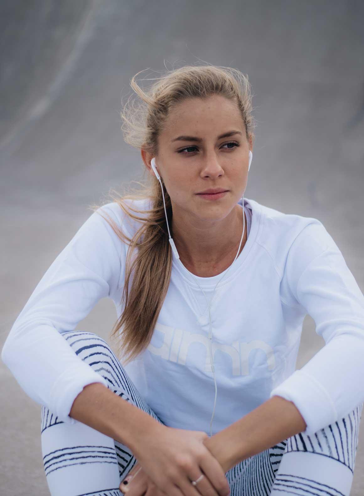 Aim'n White Sweatshirt 17050016 c