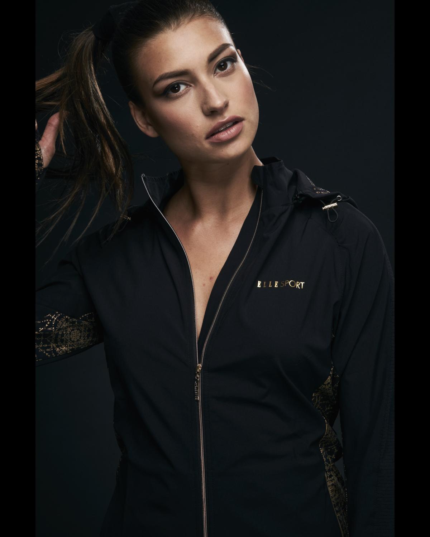 Ellesport Sleek Detachable Hooded Lightweight Woven Jacket – Black/Gold