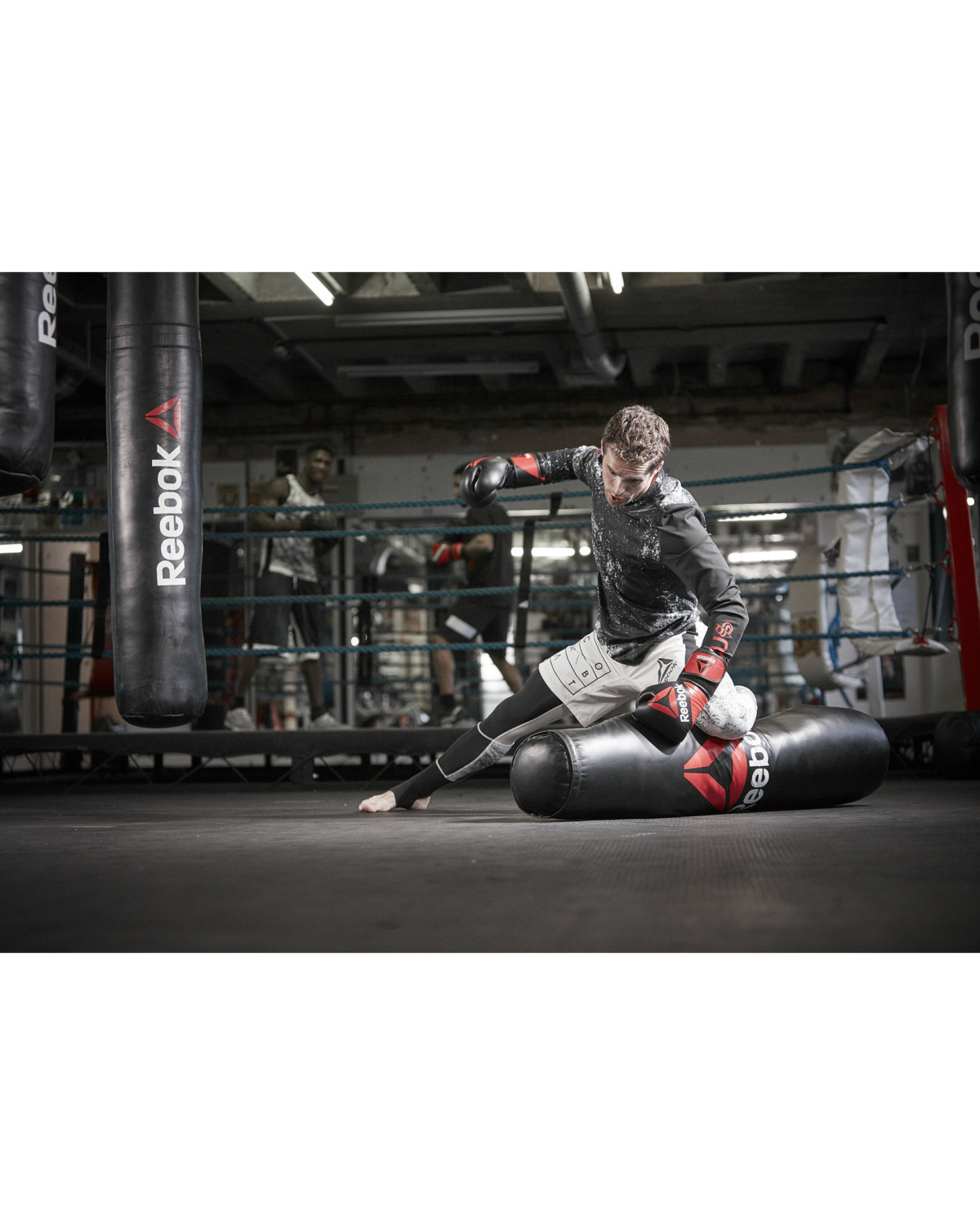 reebok_combat_grapping_bag_lifestyle_12
