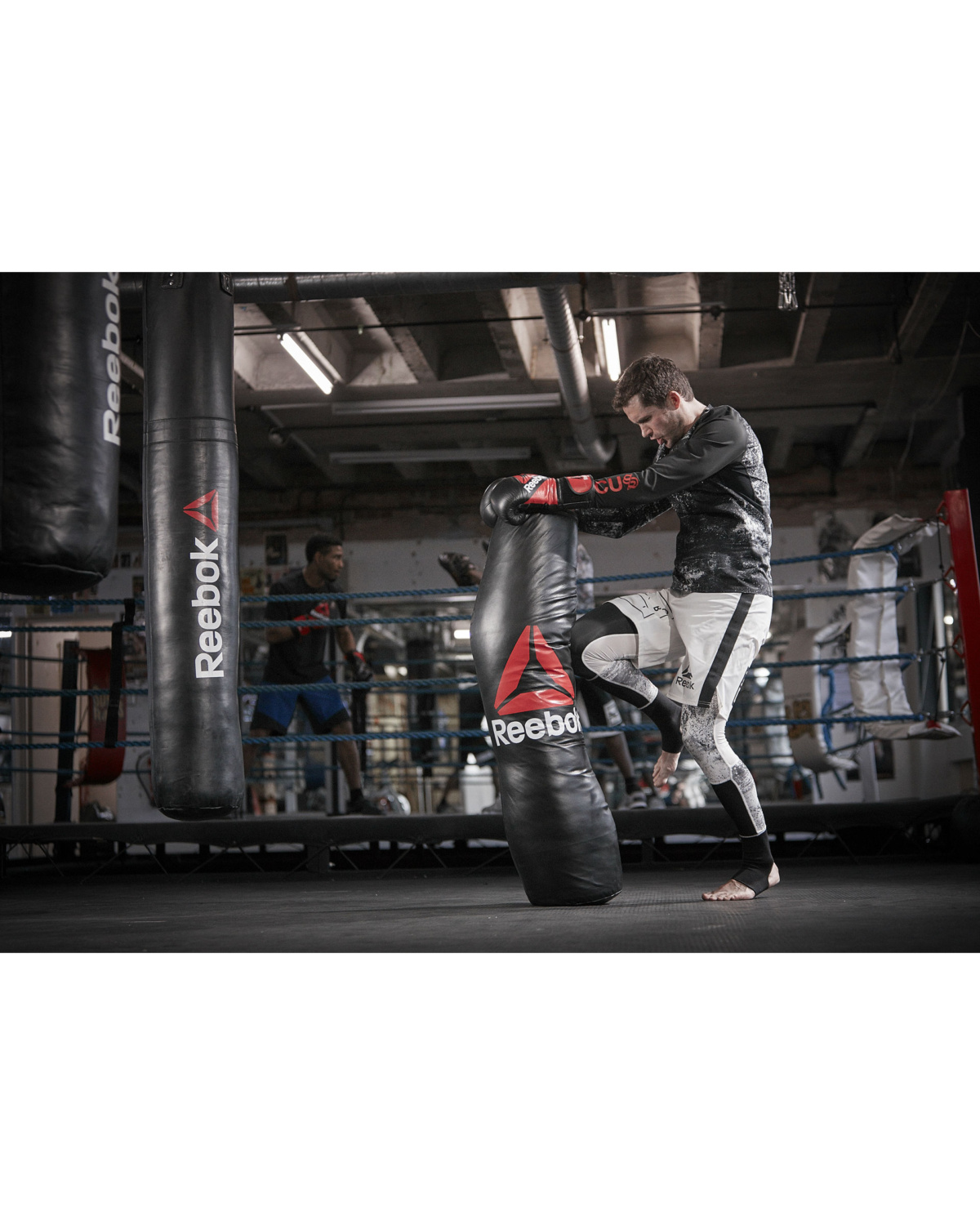 reebok_combat_grapping_bag_lifestyle_32