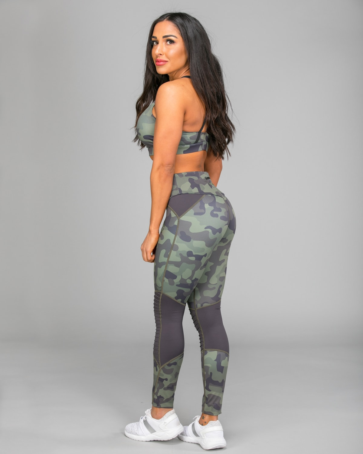 we-are-fit-2018-green-fury-tights-04