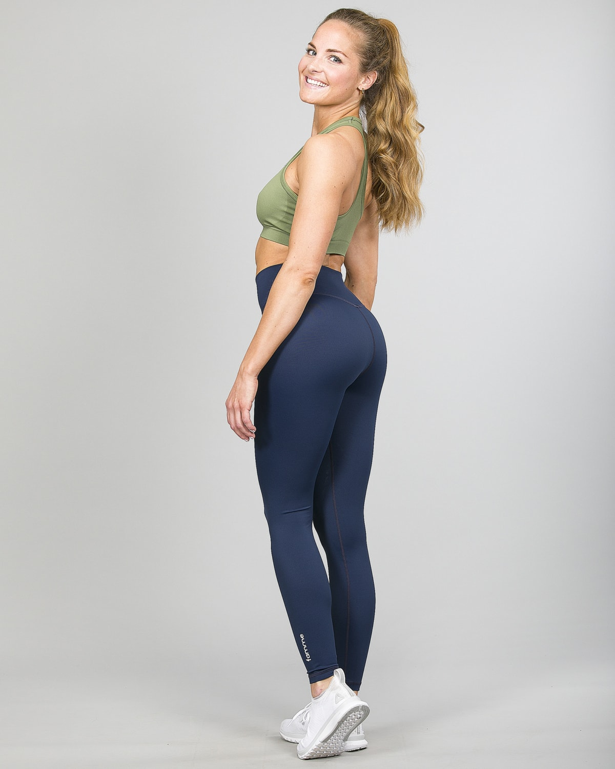 Famme Essential High Waist Legging – Midnight Blue ehwt-mb and Drop It Sports Bra Army Green vhwl-ag f