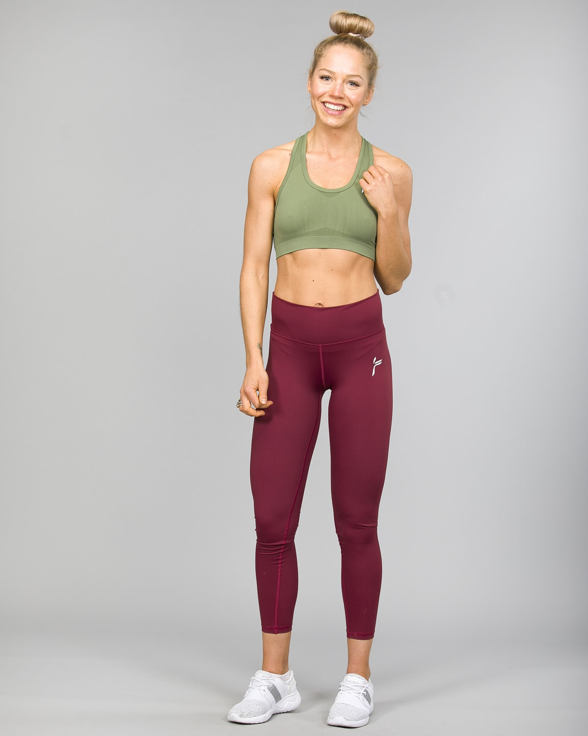 Famme Essential High Waist Legging – Tawny Port ehwt-tp and Drop It Sports Bra Army green disb-ag