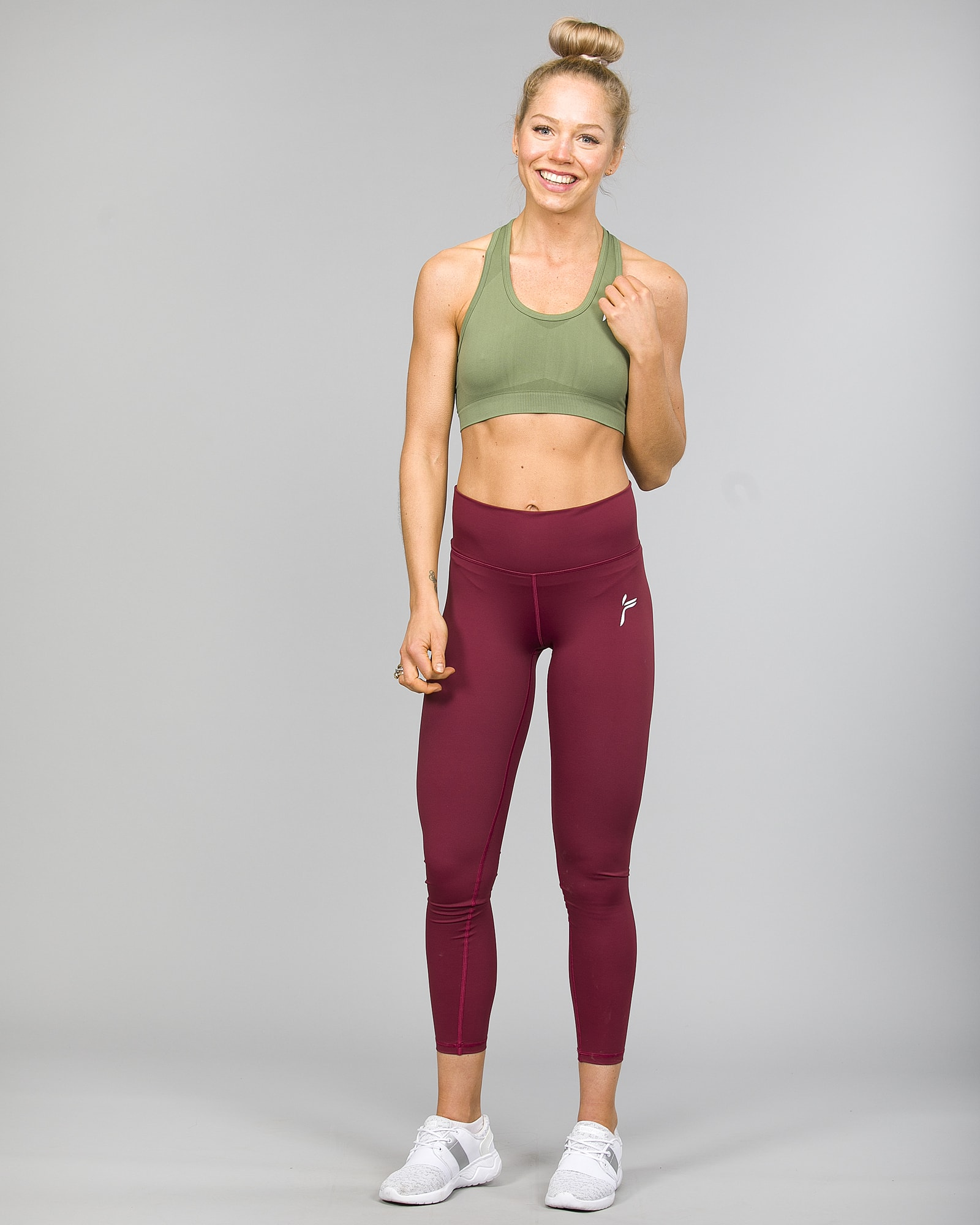 Famme Essential High Waist Legging - Tawny Port ehwt-tp and Drop It Sports Bra Army green disb-ag