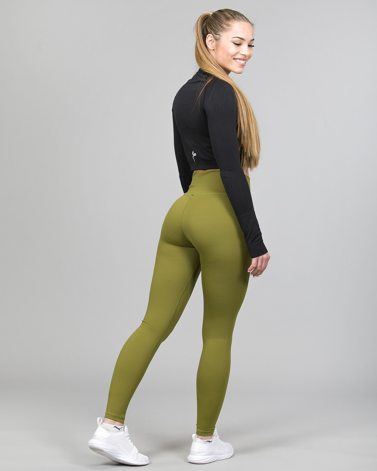 Famme Ocean Crop Top Black ocls-bk and Essential High Waist Leggings Forest Green ehwt-fg d