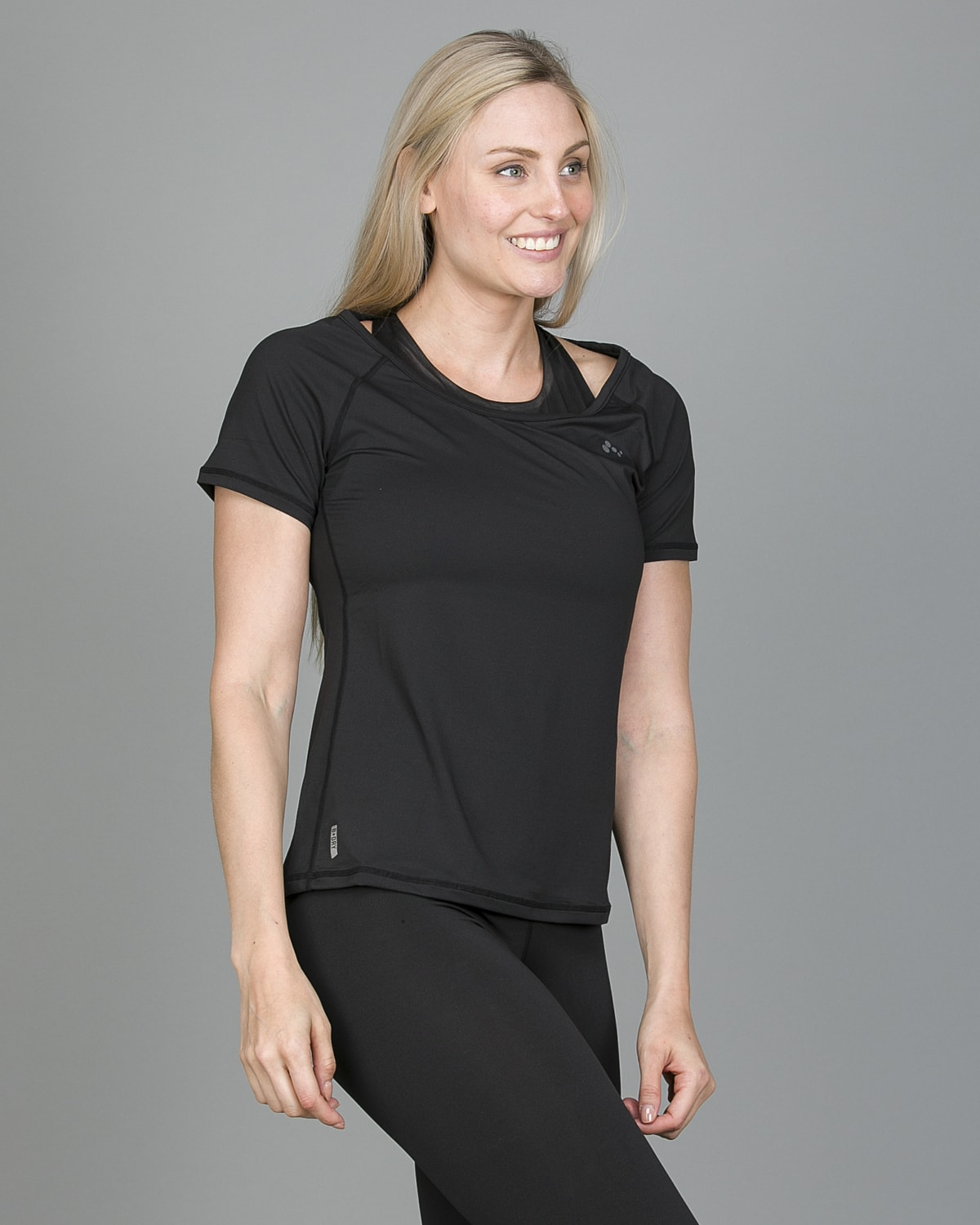Only Play Rebecca Training Short Sleeve Tee – Black 15150640 c