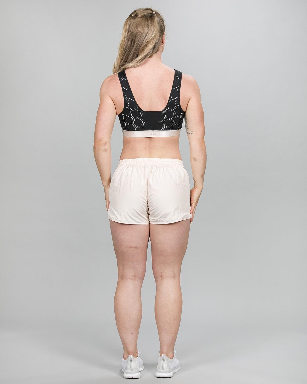 Skiny SK86 Shorts – Crystal Gray 083109 og Crop Top 083093