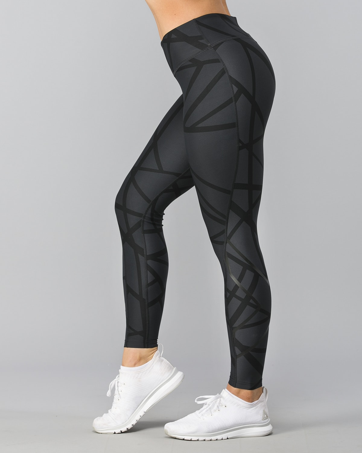 2XU-Print-Mid-Rise-Comp-Tights–Paint-Strokes-Nero1