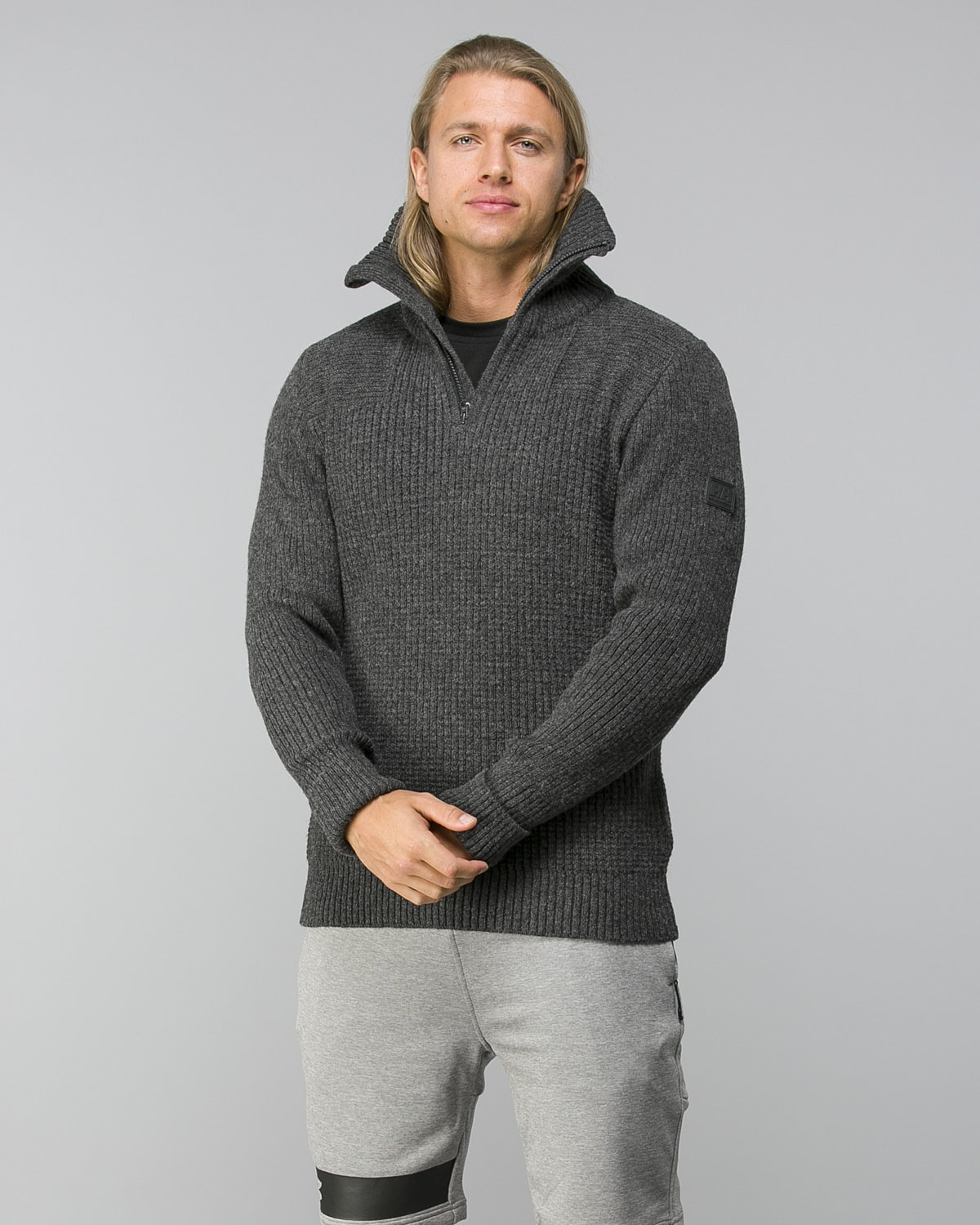 Helly-Hansen-Marka-Wool-Sweater–Ebony