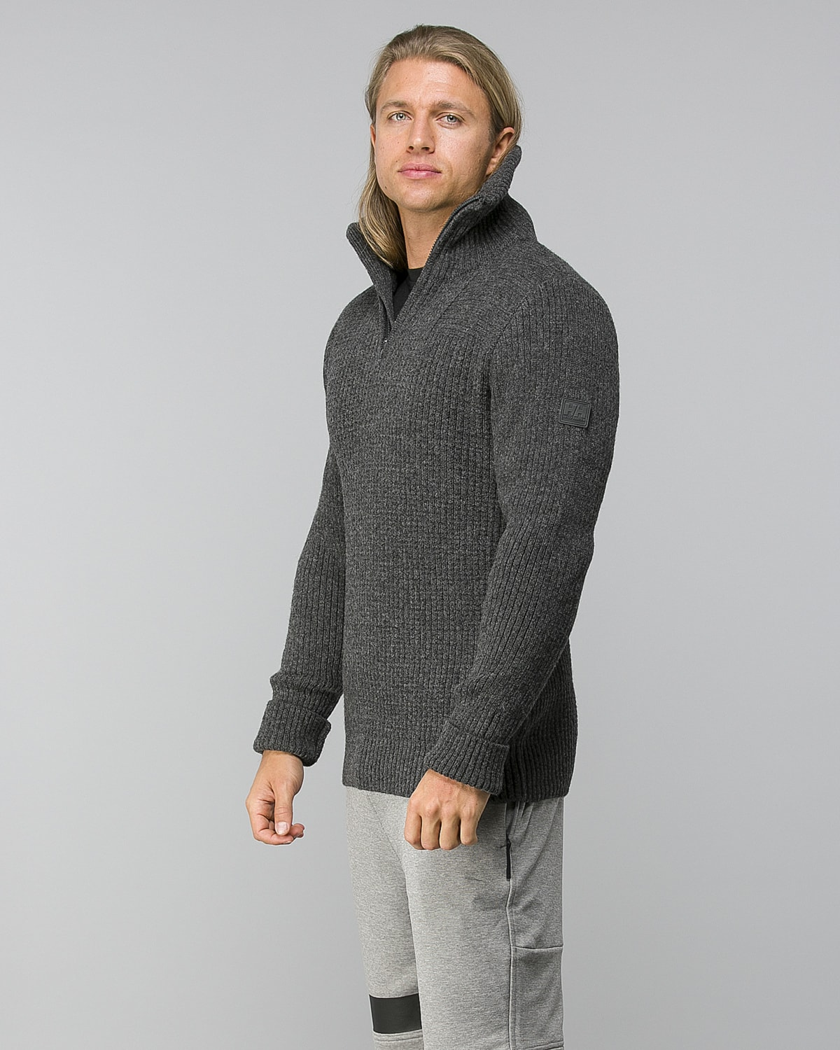 Helly-Hansen-Marka-Wool-Sweater–Ebony1