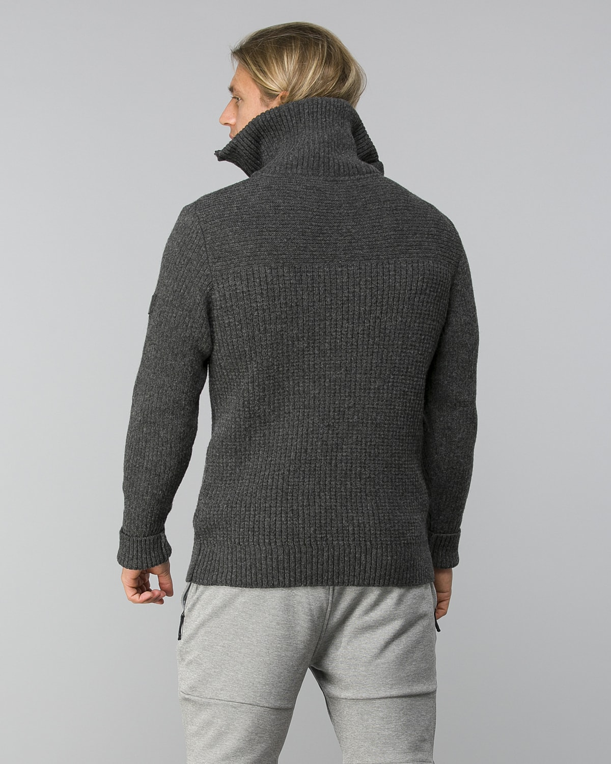 Helly-Hansen-Marka-Wool-Sweater–Ebony2