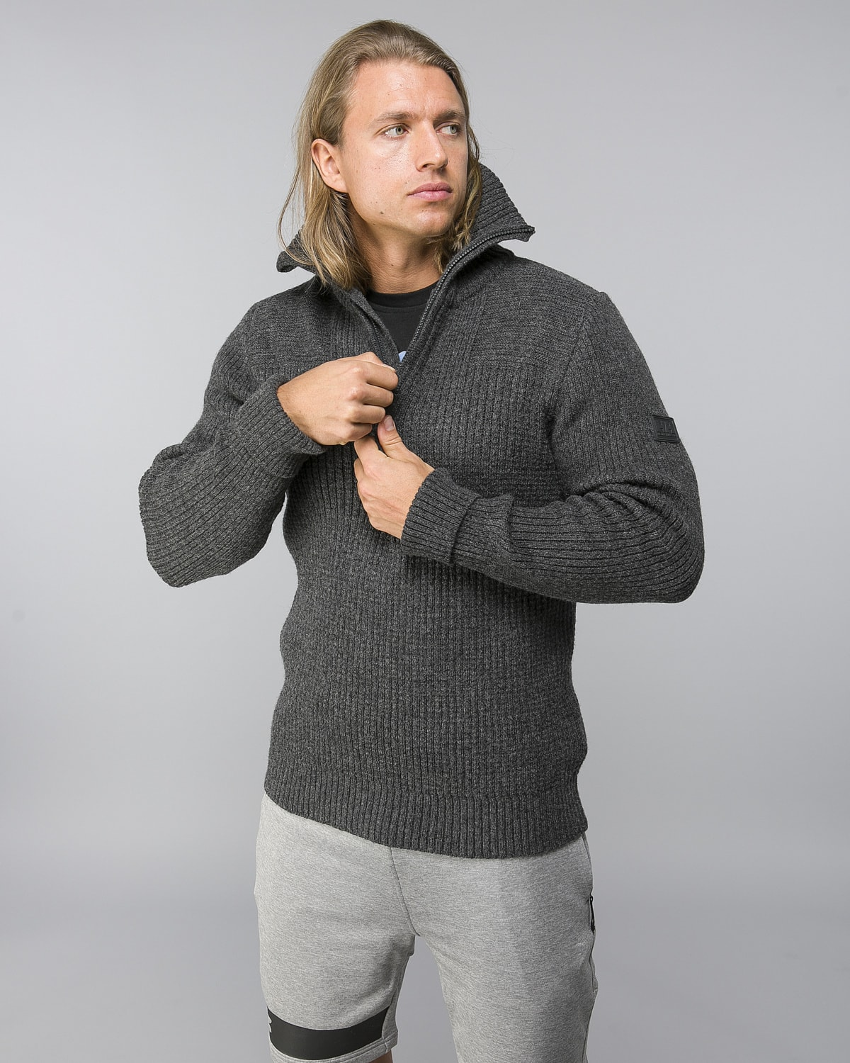 Helly-Hansen-Marka-Wool-Sweater–Ebony4