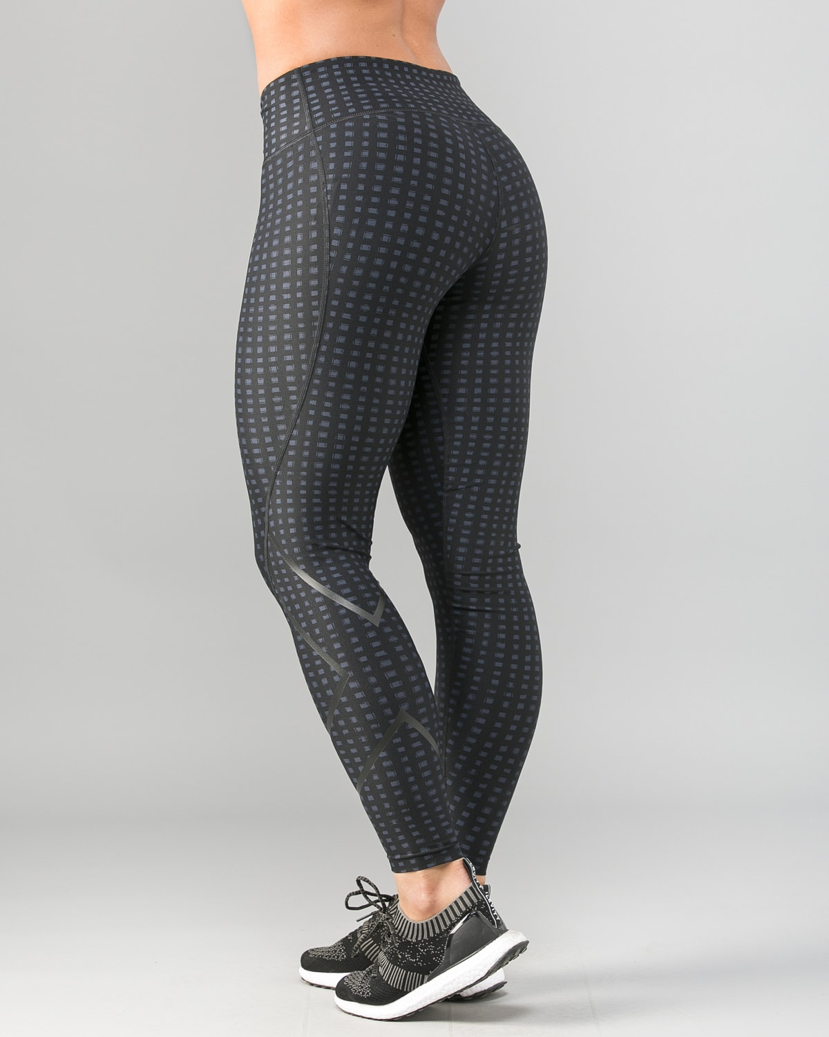 2XU-Print-Mid-Rise-Comp-Tights-W-Outer-Space-Urban-Grid-Nero1