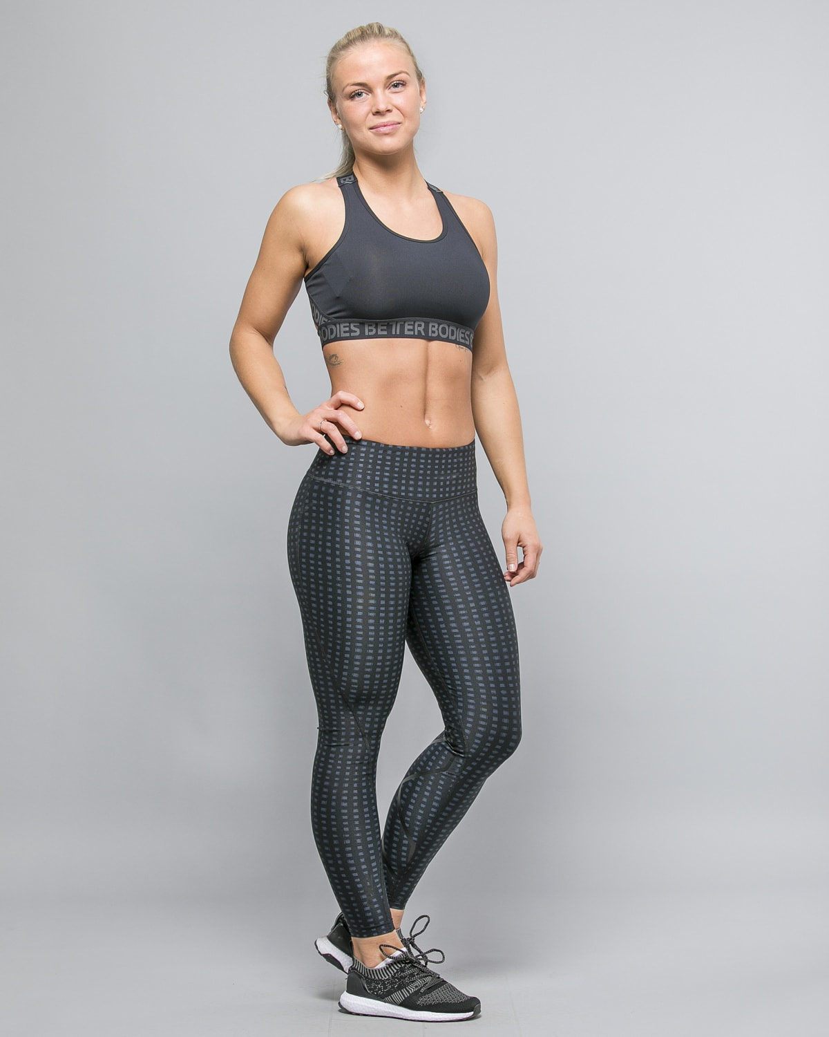 2XU-Print-Mid-Rise-Comp-Tights-W-Outer-Space-Urban-Grid-Nero3