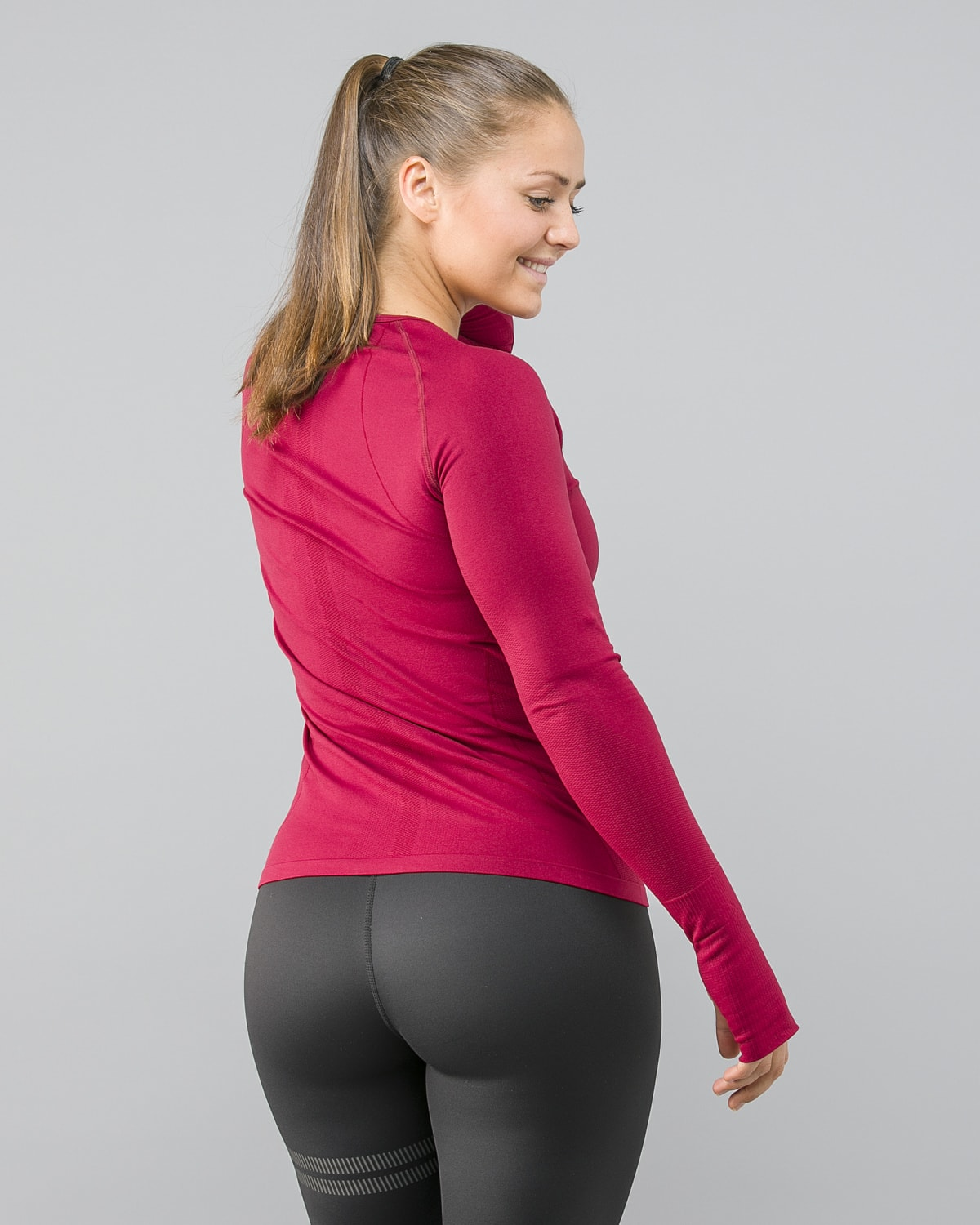 FAMME-Red-Tone-Long-Sleeve3