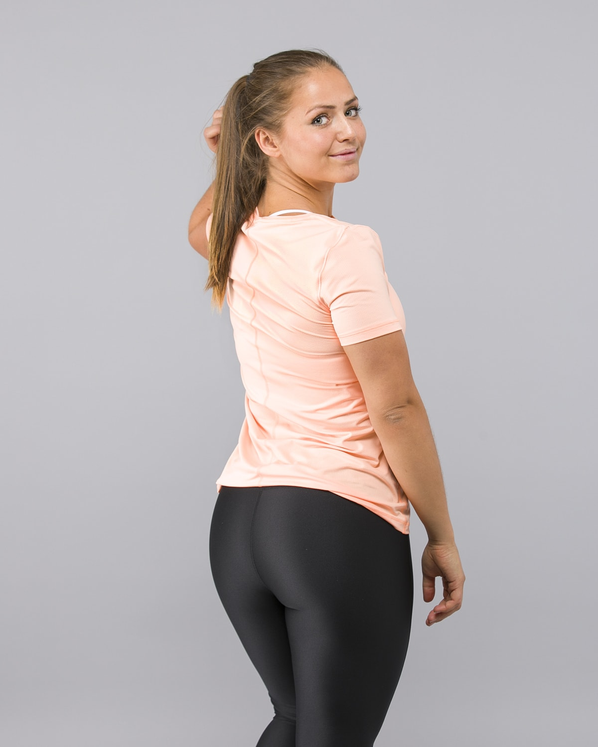 Under-Armour-Heatgear-Short-Sleeve-Shirt-Peach2