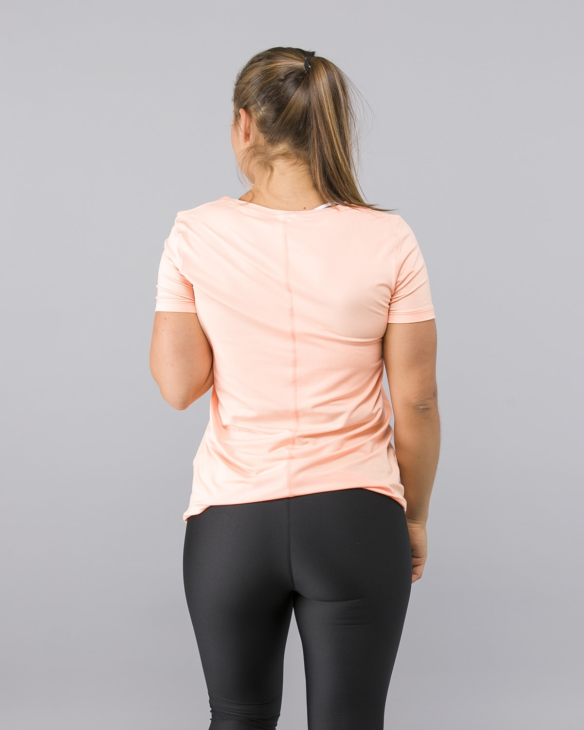 Under-Armour-Heatgear-Short-Sleeve-Shirt-Peach3