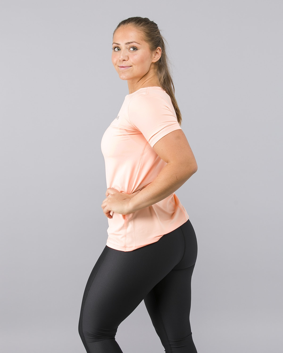 Under-Armour-Heatgear-Short-Sleeve-Shirt-Peach4