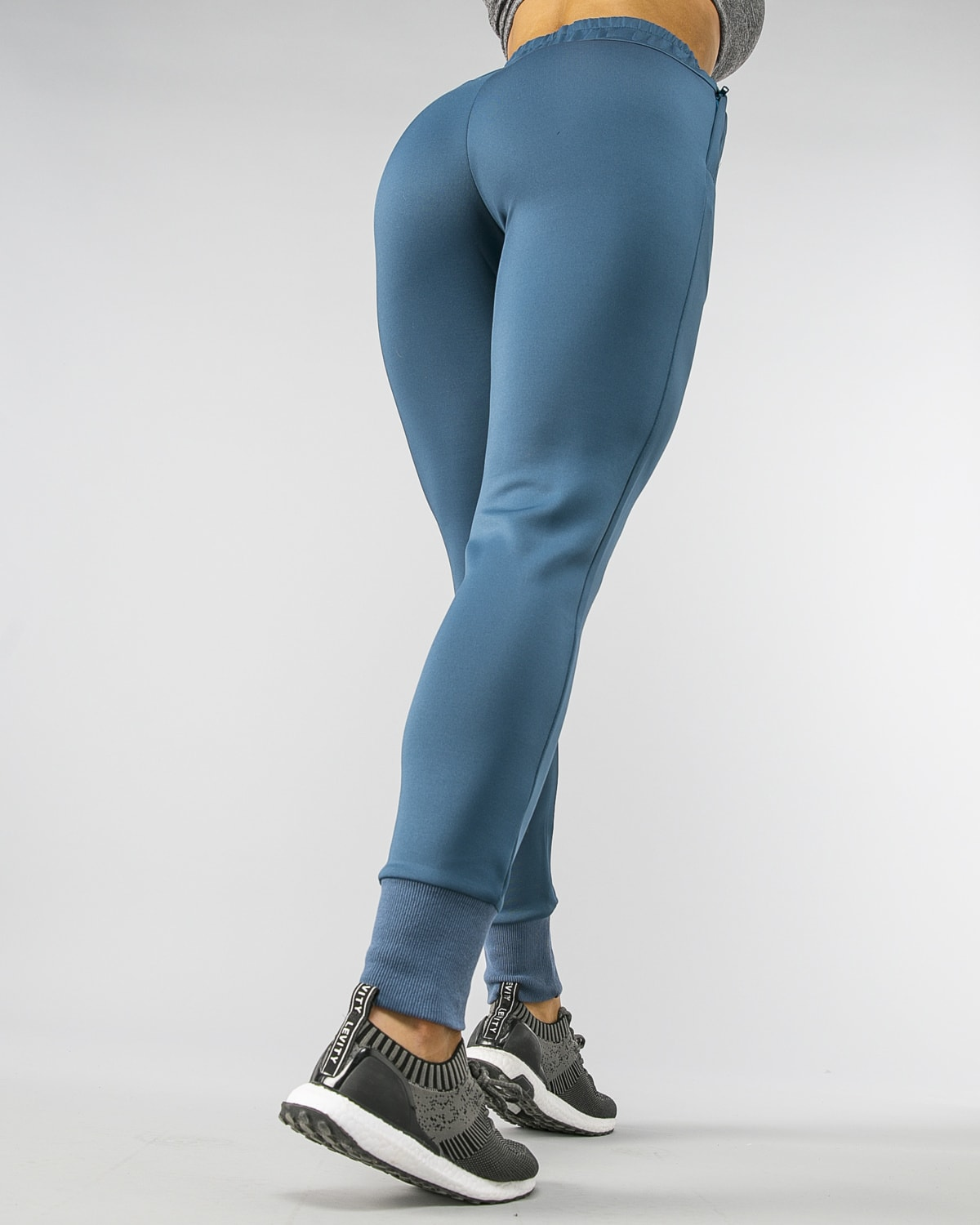 Squat Wolf Knot Joggers Teal 17