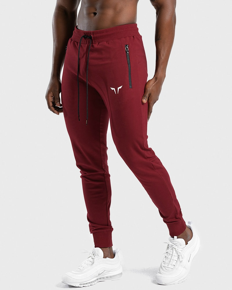 squat_wolf_statement_joggers_red_4
