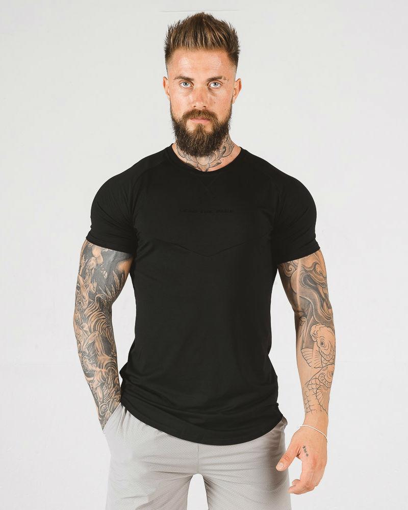 squat_wolf_statement_tshirt_black1