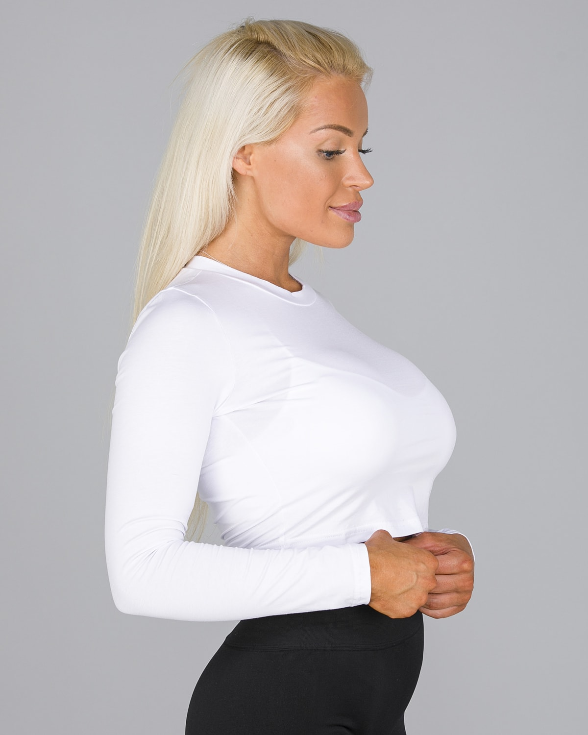FAMME White Pure Crop Long Sleeve8