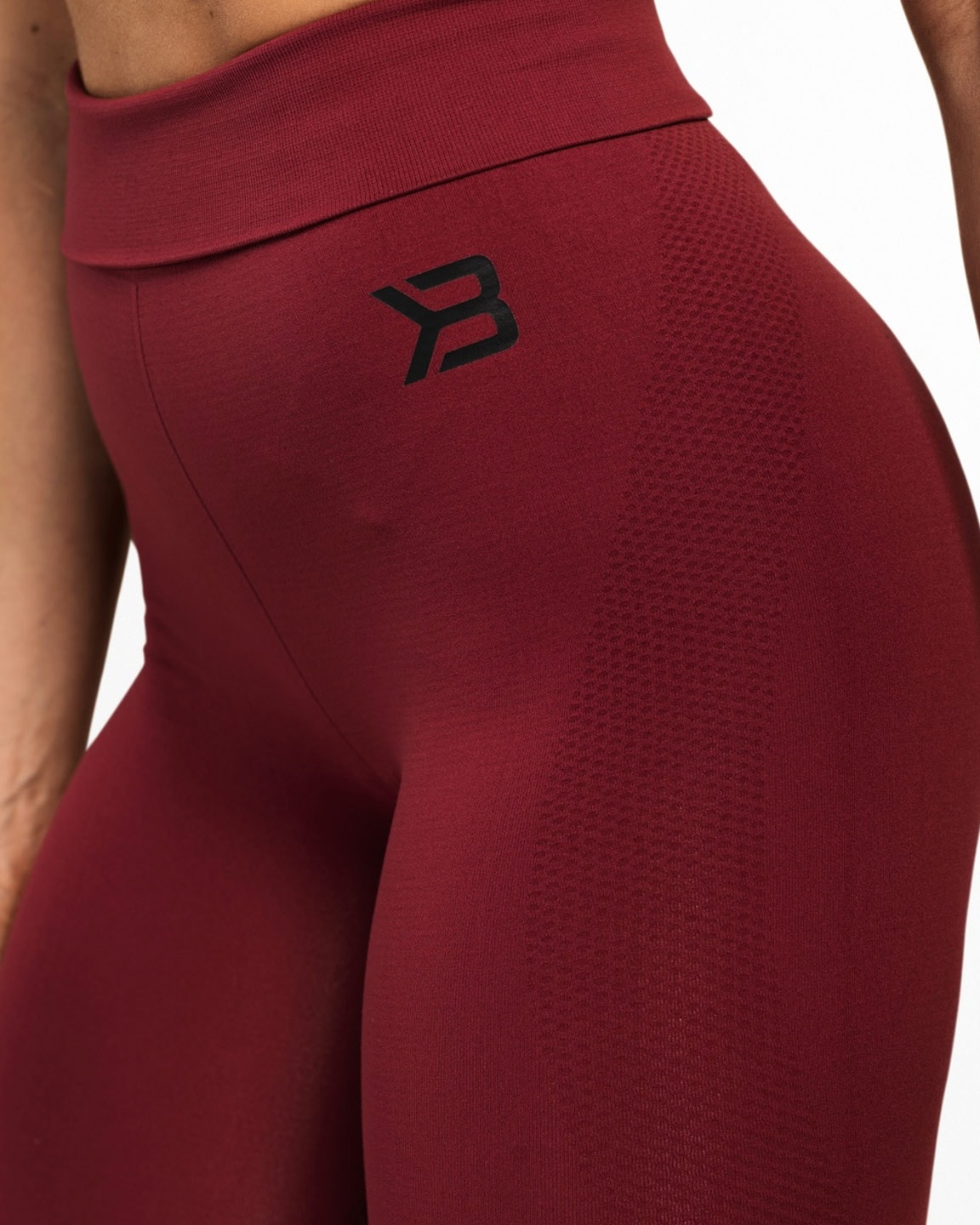 rockaway-seamless-sangria-red-tights-6
