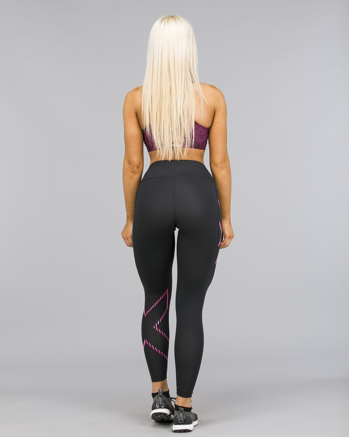 2XU – Bonded Mid-Rise Compression Tights – Black:Fracture Fuschia a