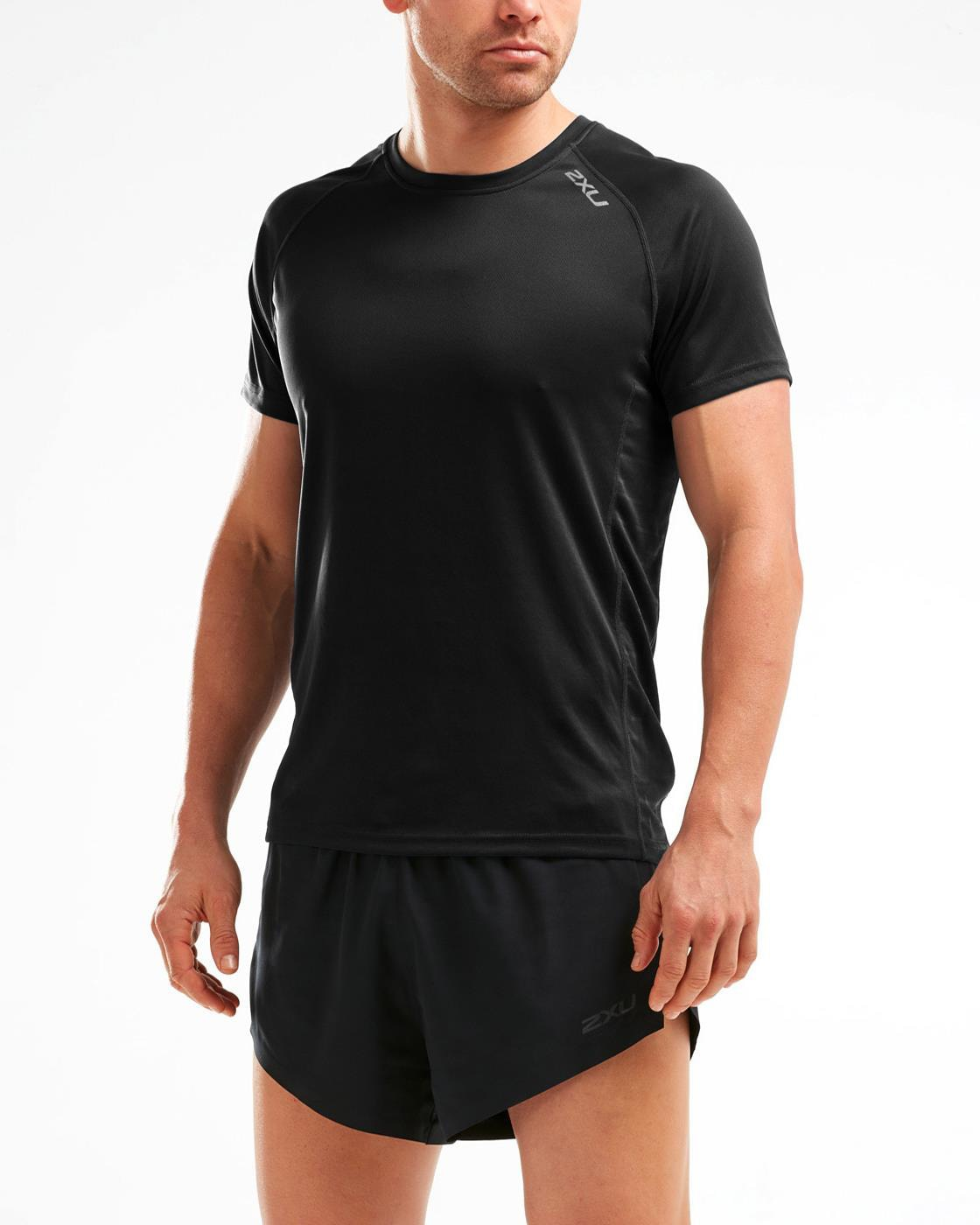 WEB_Image 2XU X-VENT Short-Sleeve Tee Herre mr5636a_blk-blk-355829974