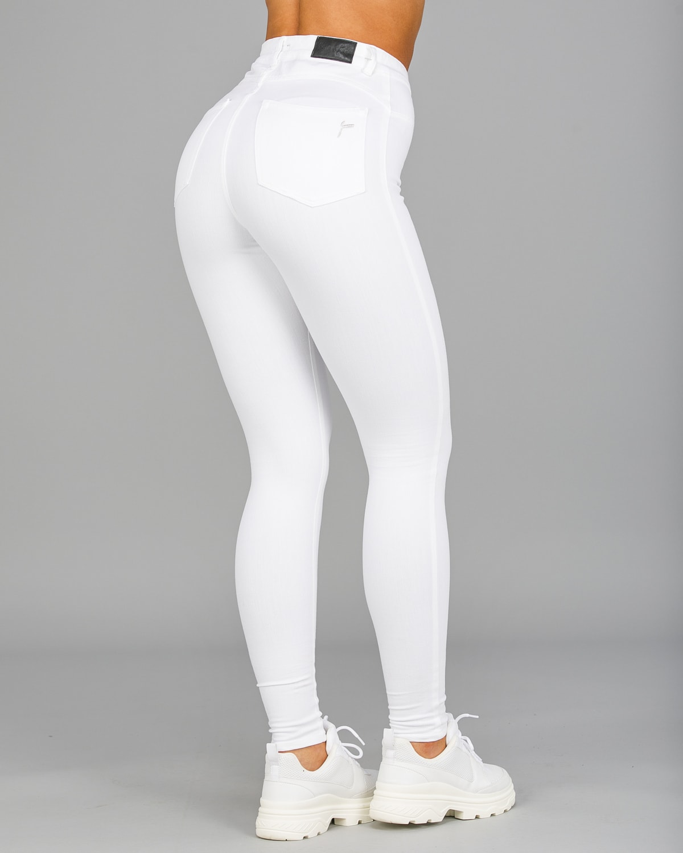 FAMME – 4Flex Jeans – White15