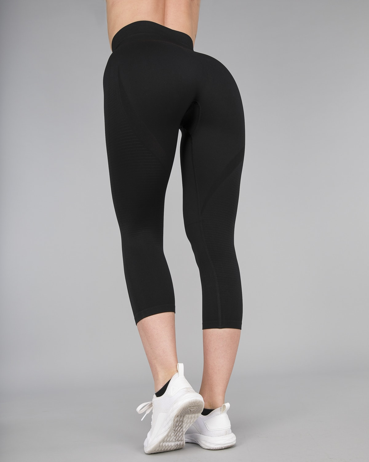 FAMME – Vortex Leggings 7:8 – Black1