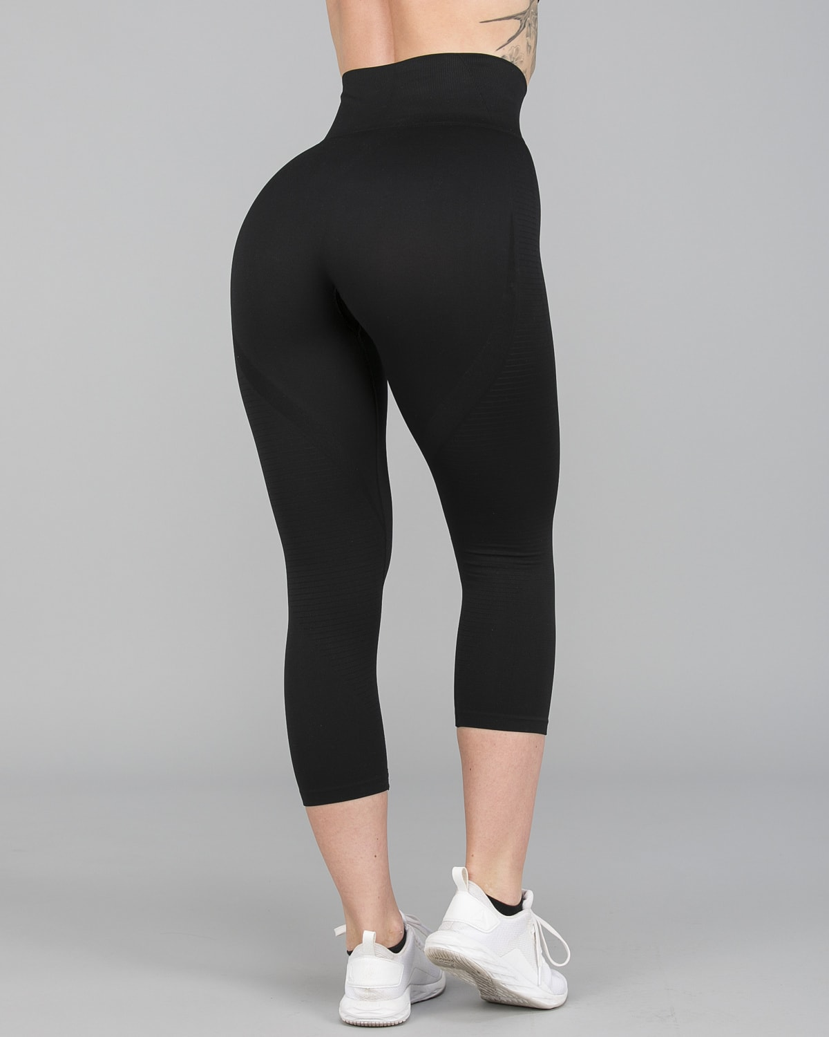 FAMME – Vortex Leggings 7:8 – Black10