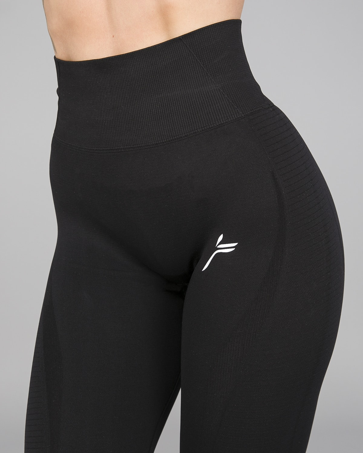 FAMME – Vortex Leggings 7:8 – Black14
