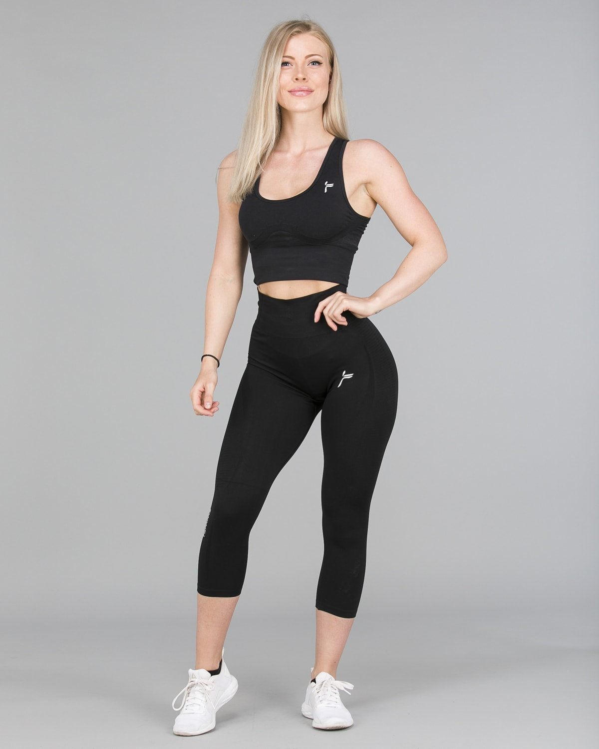 FAMME – Vortex Leggings 7:8 – Black3