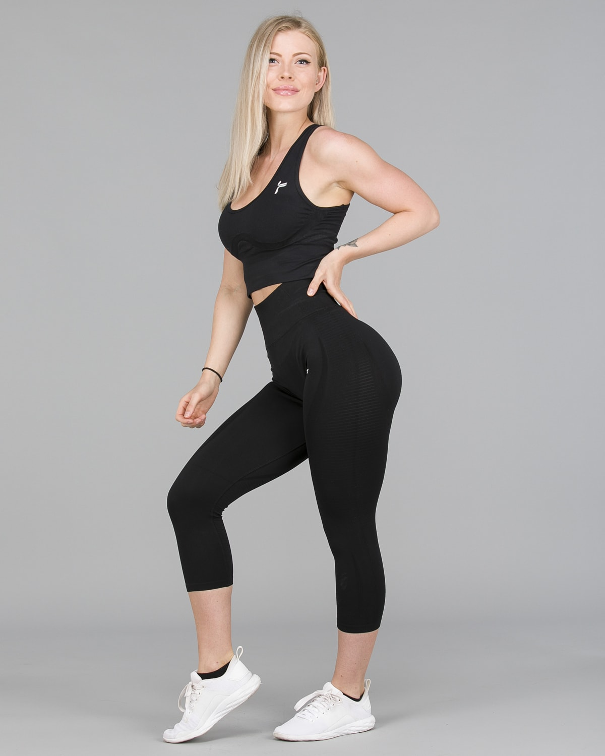 FAMME – Vortex Leggings 7:8 – Black4