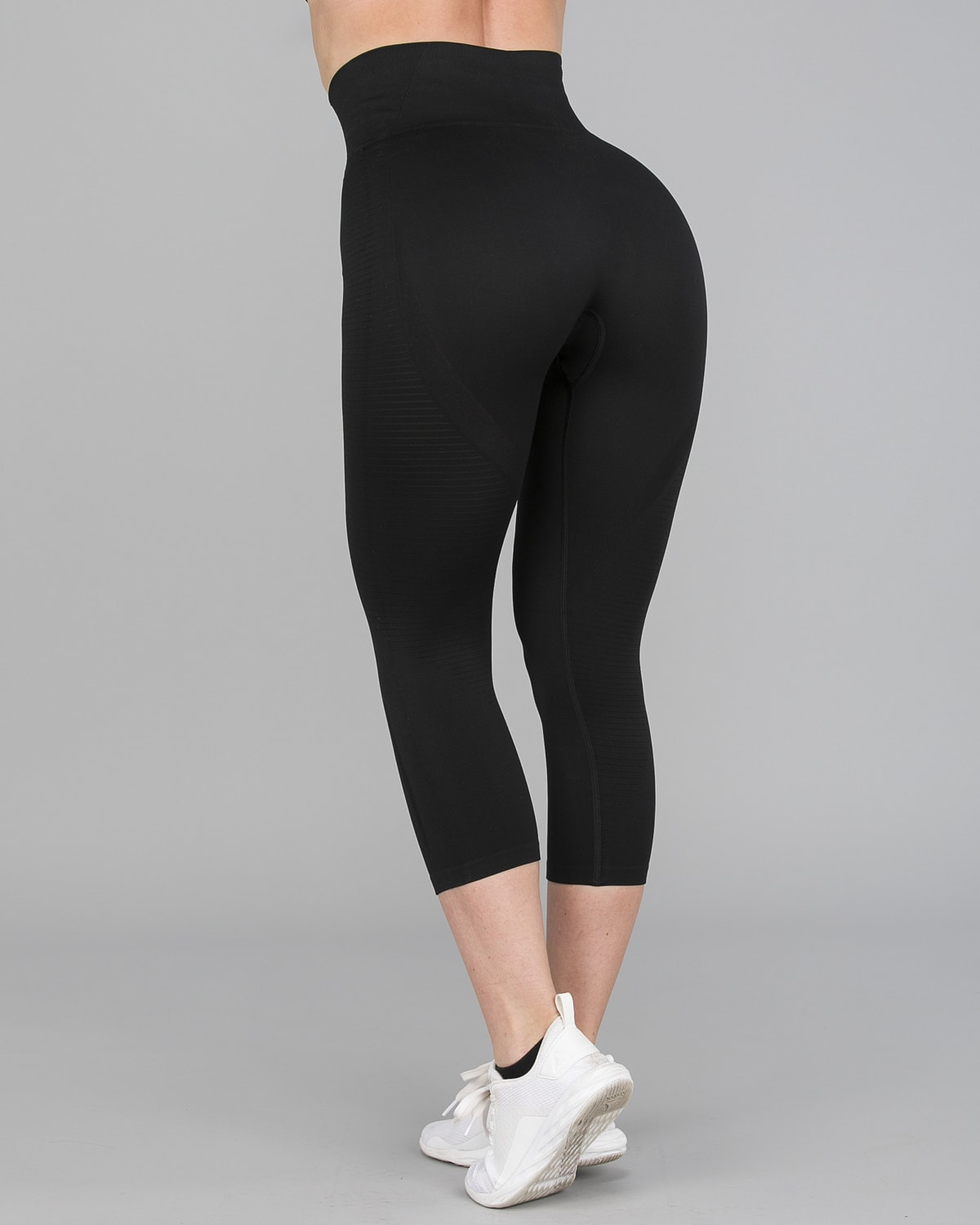 FAMME – Vortex Leggings 7:8 – Black8