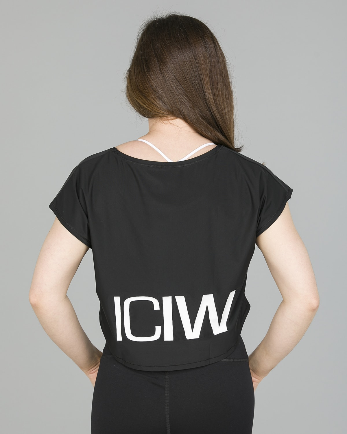 ICANIWILL – Loose Crop Top Black4