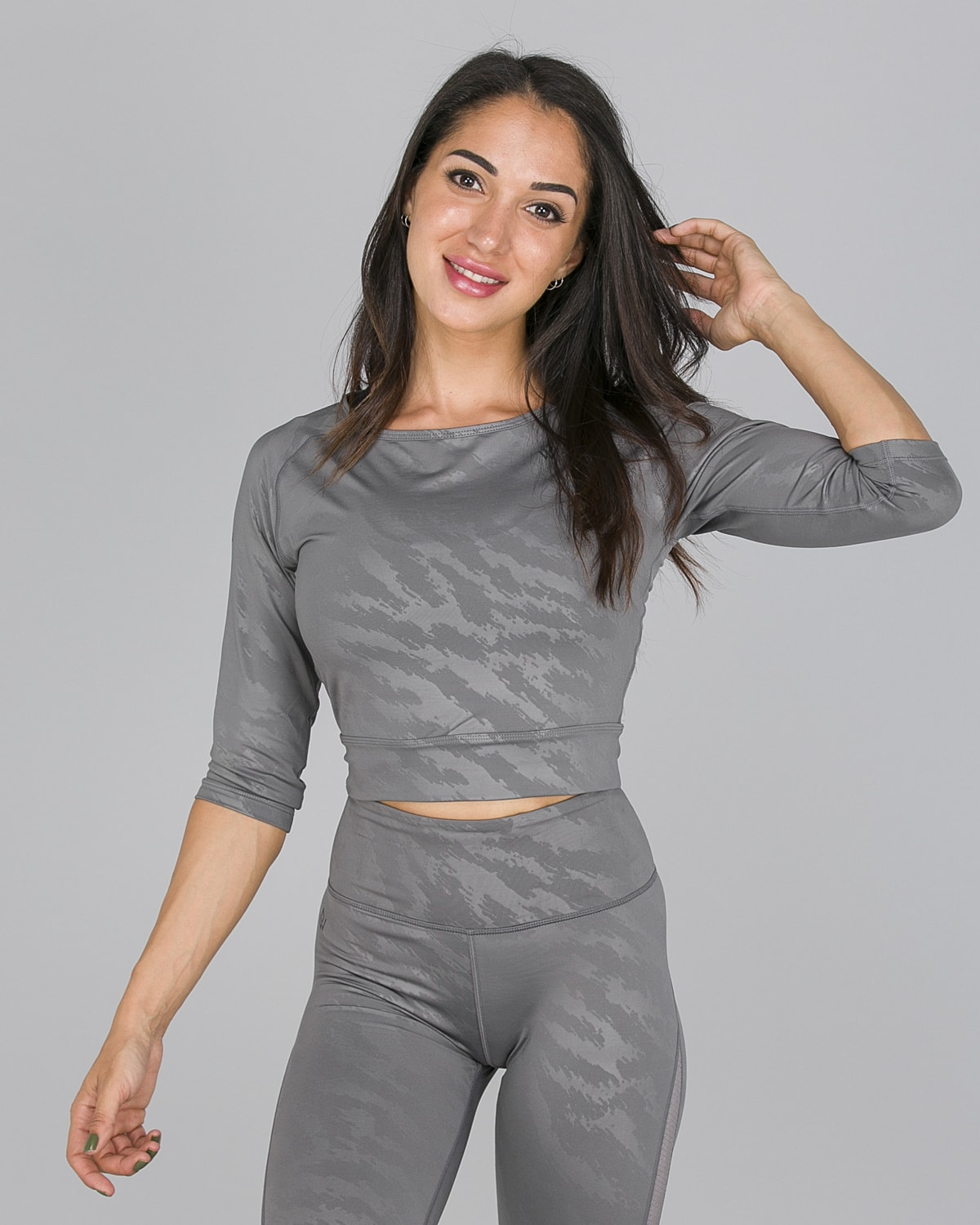 Workout Empire – Elevate Crop 3:4 Sleeve – Silver Grey1