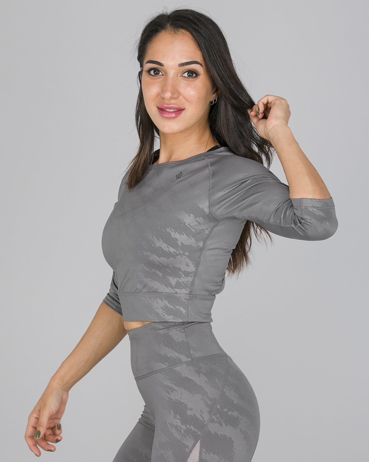 Workout Empire – Elevate Crop 3:4 Sleeve – Silver Grey4