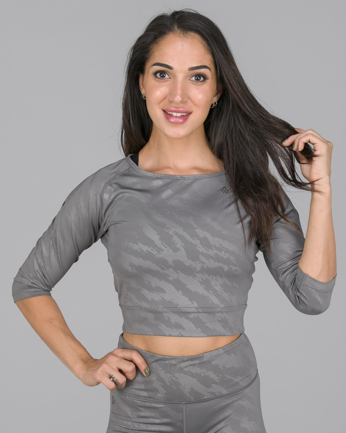 Workout Empire – Elevate Crop 3:4 Sleeve – Silver Grey7