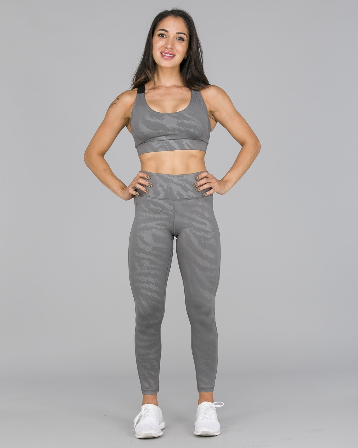 Workout Empire – Elevate Leggings – Silver10