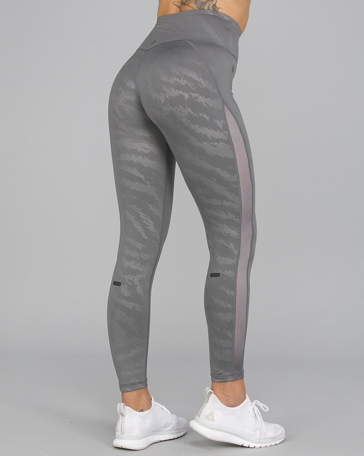 Workout Empire – Elevate Leggings – Silver3