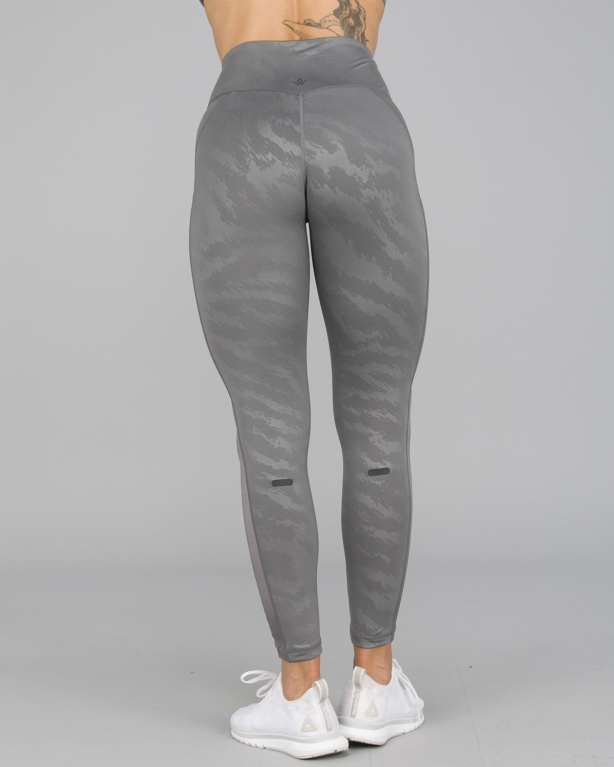 Workout Empire – Elevate Leggings – Silver4