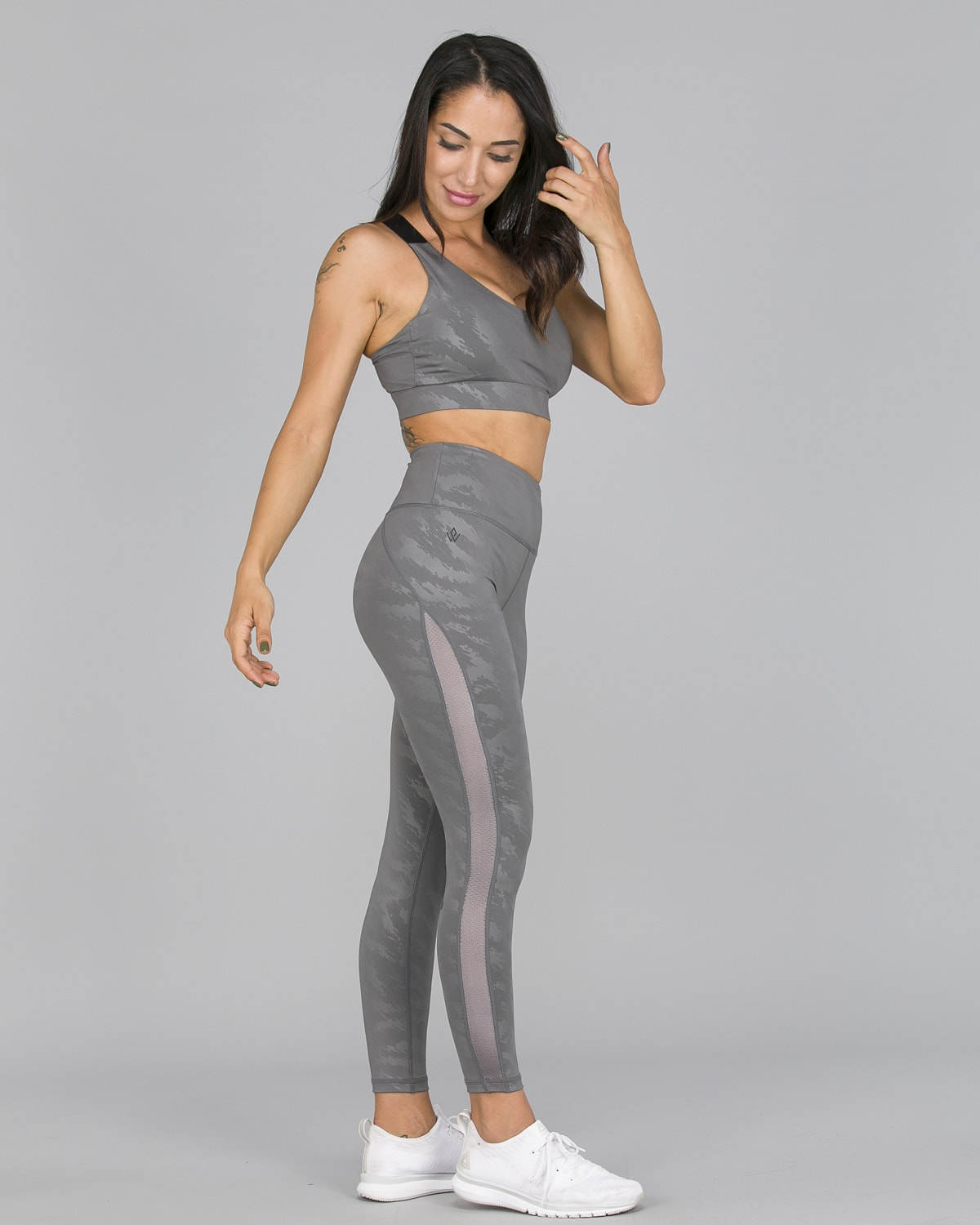 Workout Empire – Elevate Leggings – Silver9