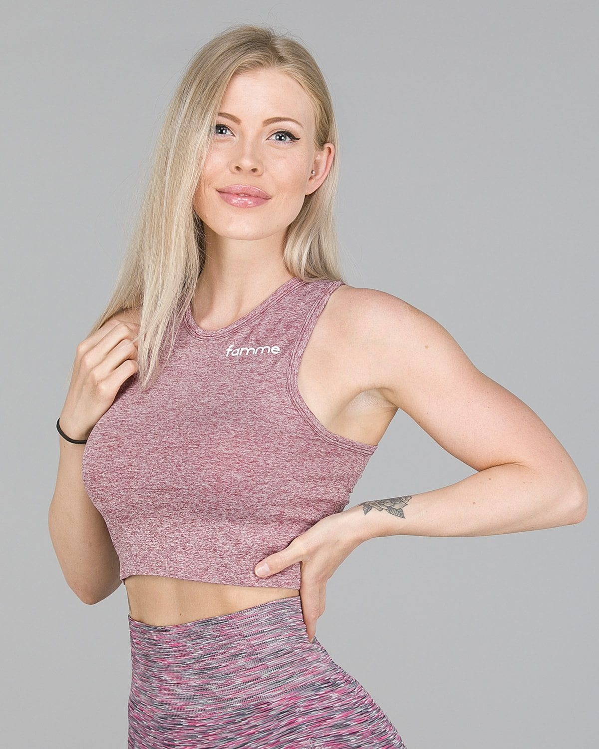 FAMME – Seamless Crop Top – Melange Burgundy4