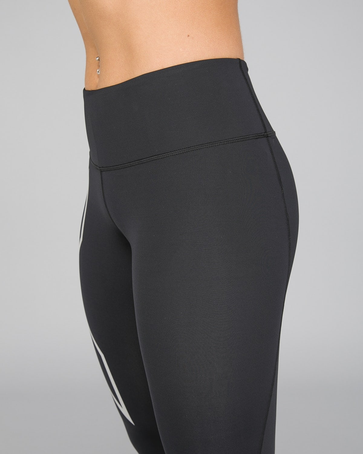 2XU Run Mid-Rise Dash Comp Tights Women – Black:Silver Reflective6