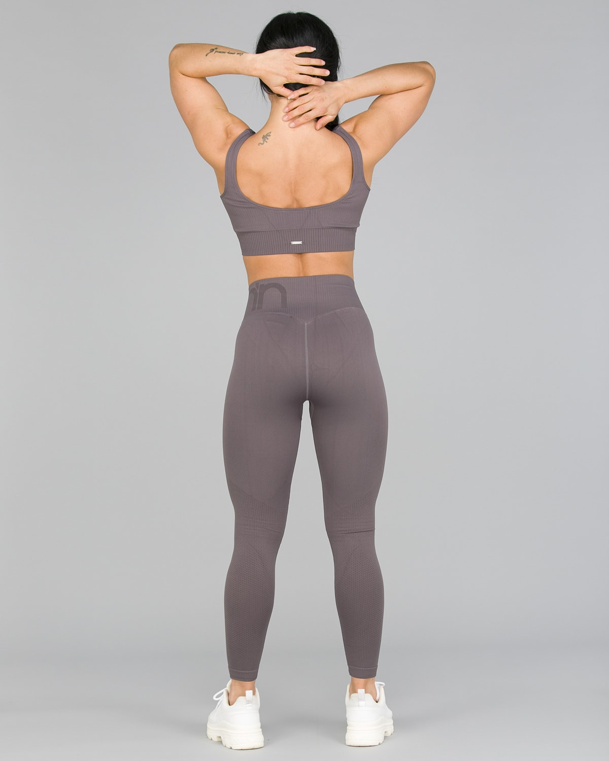 Aim'n Concrete Attention Seamless Tights4