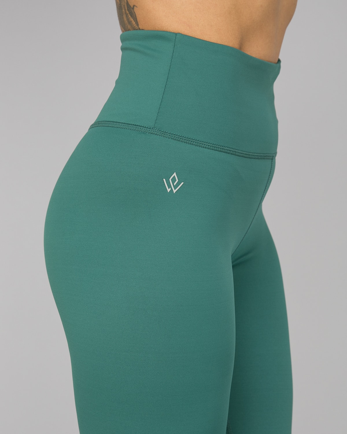 Workout Empire – With Confidence Shape Leggings – Emerald Green12