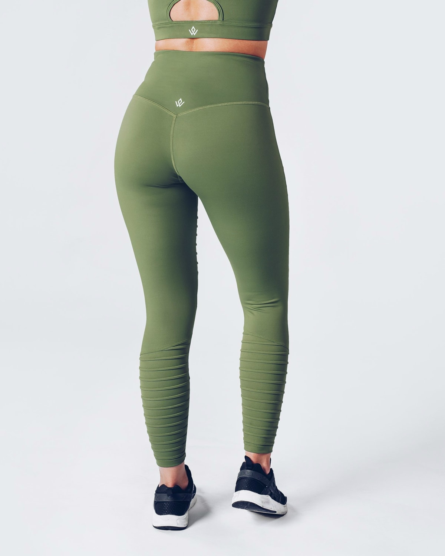workout_empire_regalia_curve_leggings_2_forest_green1