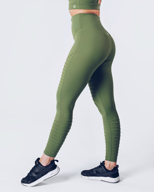 workout_empire_regalia_curve_leggings_2_forest_green4